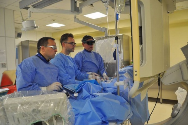 Pioneering pulmonary balloon angioplasty procedure performed with the use of Virtual Reality Goggles